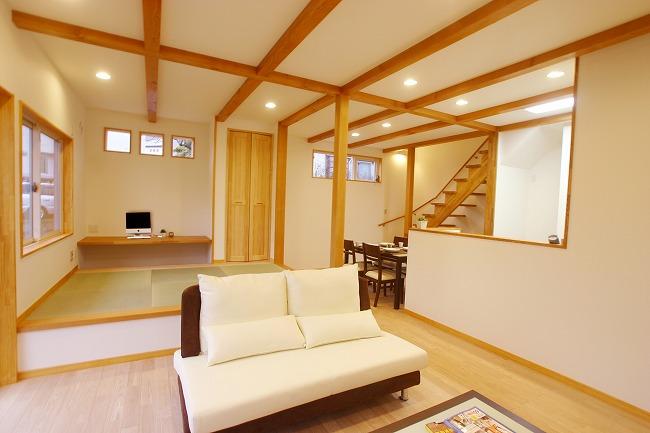 開放感と使いやすさを求めた 明るい二世帯住宅