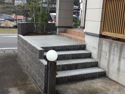 玄関アプローチ
