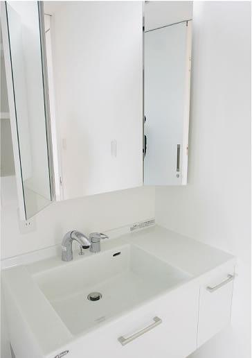 すっきりとした洗面スペース