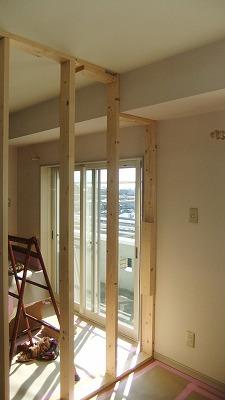 (写真2)壁下地間柱立込み.jpg