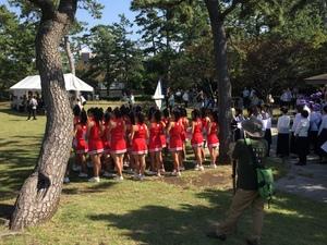 碑前祭風景.JPG