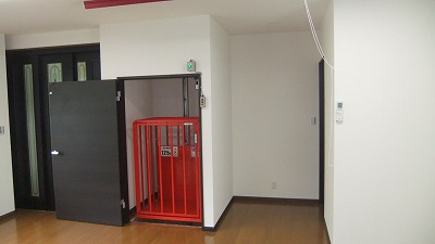 写真19木製ドア.jpg