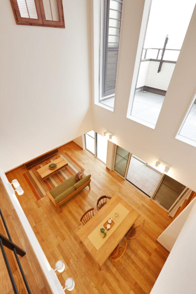 サンルームと2階バルコニー