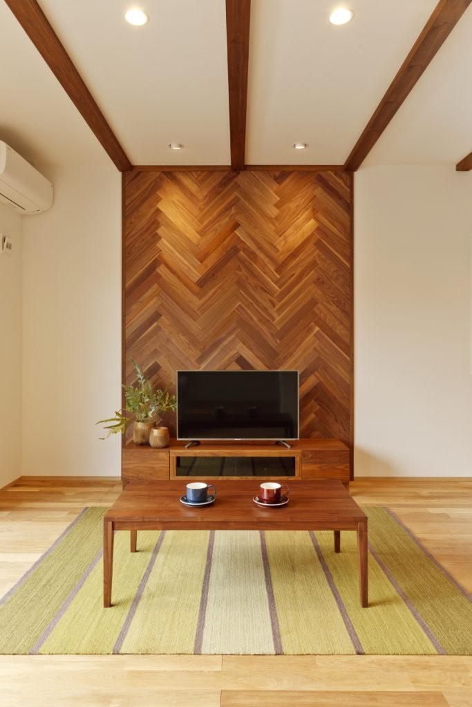 本物の木材を使った壁面アクセント