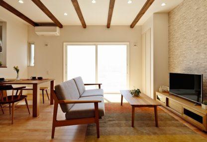 「賢い家事動線、収納計画、省エネ計画」が実現した ムクフローリングの家
