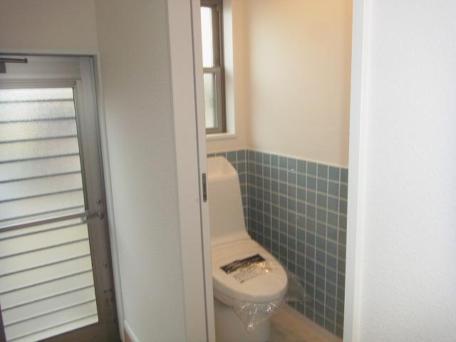 手造りトイレ