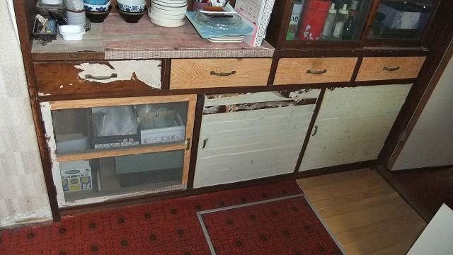 食器戸棚もリメイク