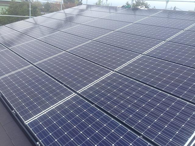 屋根上太陽光パネル2