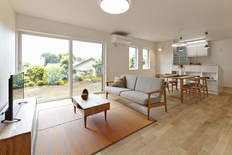 お互いの世帯を緩やかにつなぐ 完全分離型の二世帯住宅