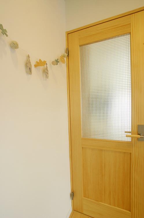 かわいい無垢ドア