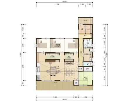 勾配天井と深い軒のある平屋