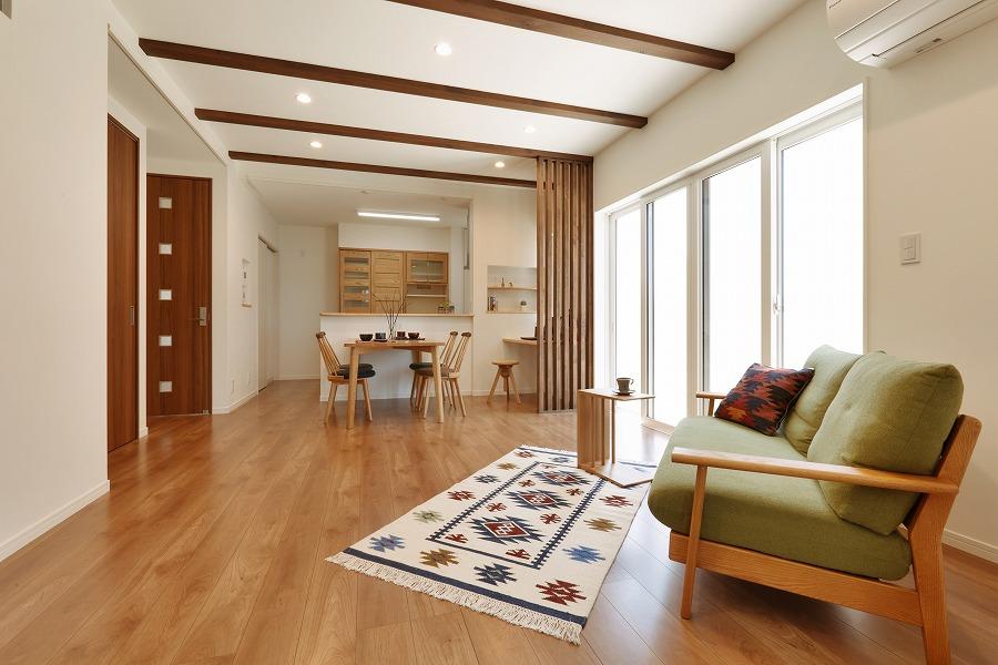「賢い収納空間」と「快適リビング」のある家族団らんを存分に楽しむ家