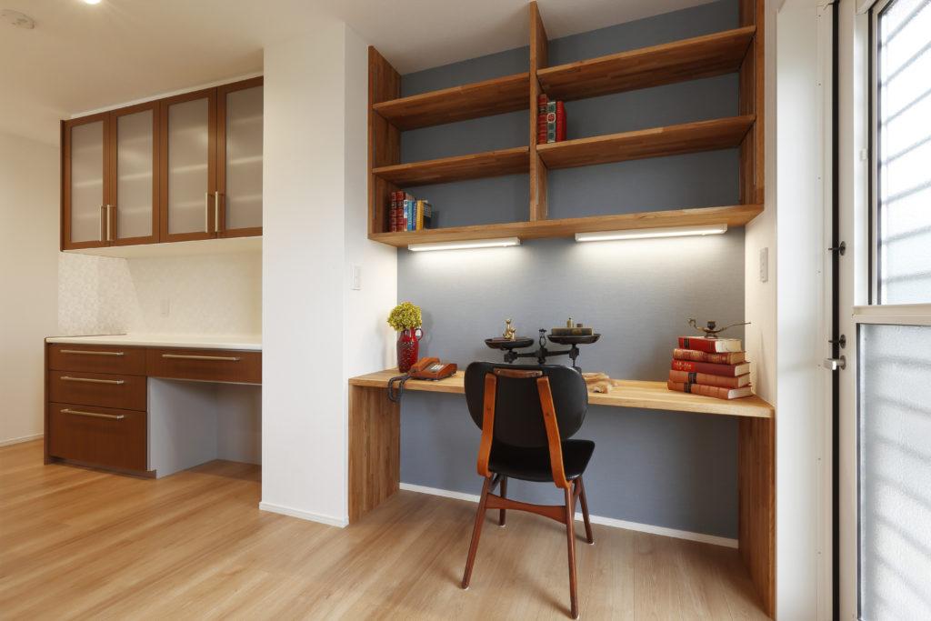 キッチン横デスク&ピアノスペース