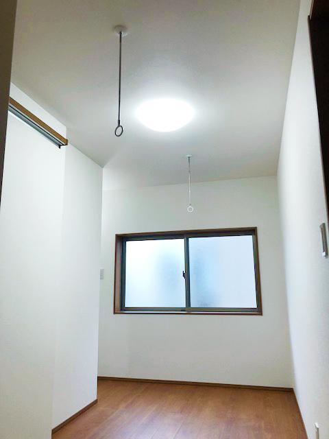 2階ホール物干しスペース