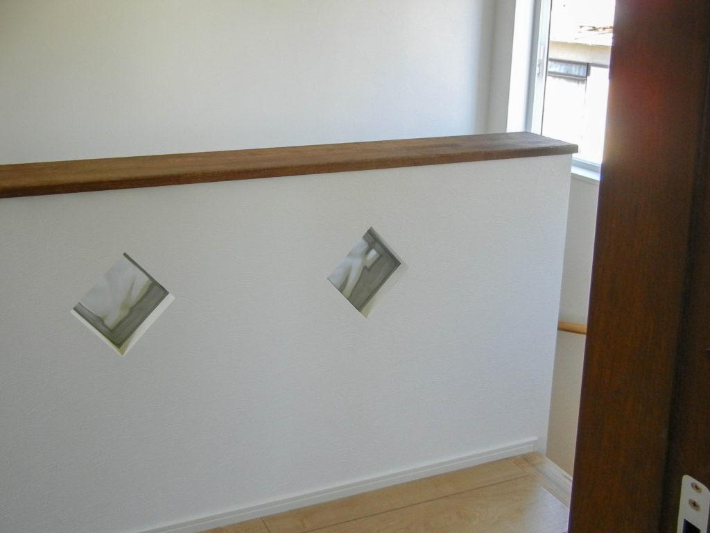 階段ホールのガラスブロック