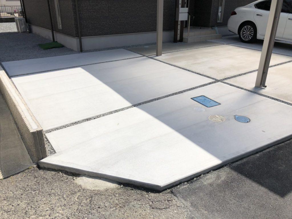 スリットを設けた駐車スペース