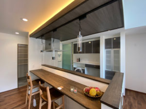 OPEN HOUSE in 長泉「大きな吹抜けと洗練されたインテリア 非日常を追求した開放的な住まい」